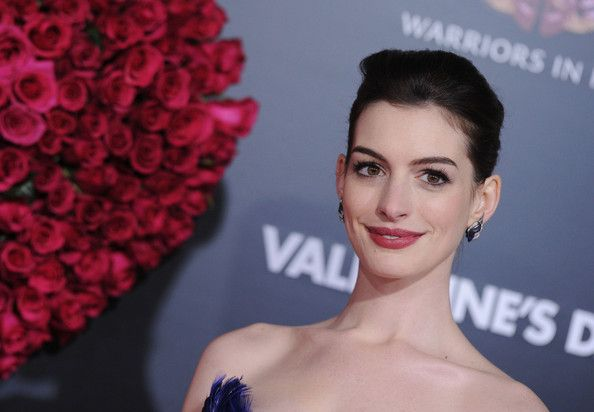 Anne Hathaway Photos Photos Valentine S Day World Premiere Anne