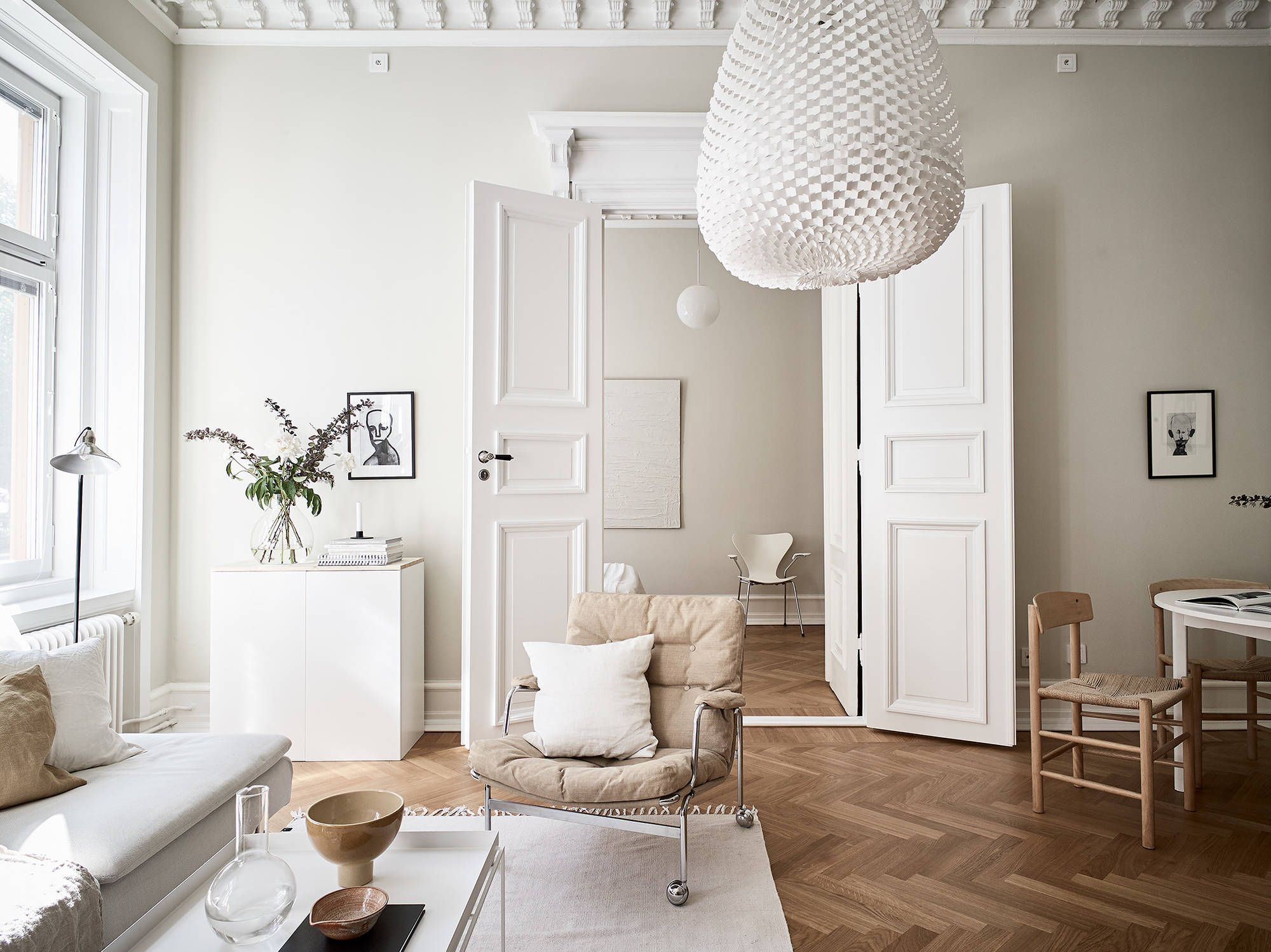A Small Apartment In Sweden, Newly Renovated In Tones Of