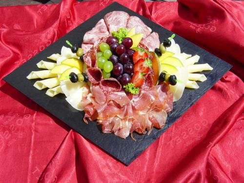 Kaese wurstplatte google cooking food drink pinterest kalte platten - Wurstplatten dekorieren ...