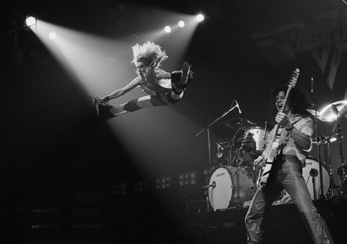 David Lee Roth And Eddie Van Halen Perform At The Rainbow Theatre In Finsbury Park London On October 22nd 1978 Eddie Van Halen Van Halen David Lee Roth