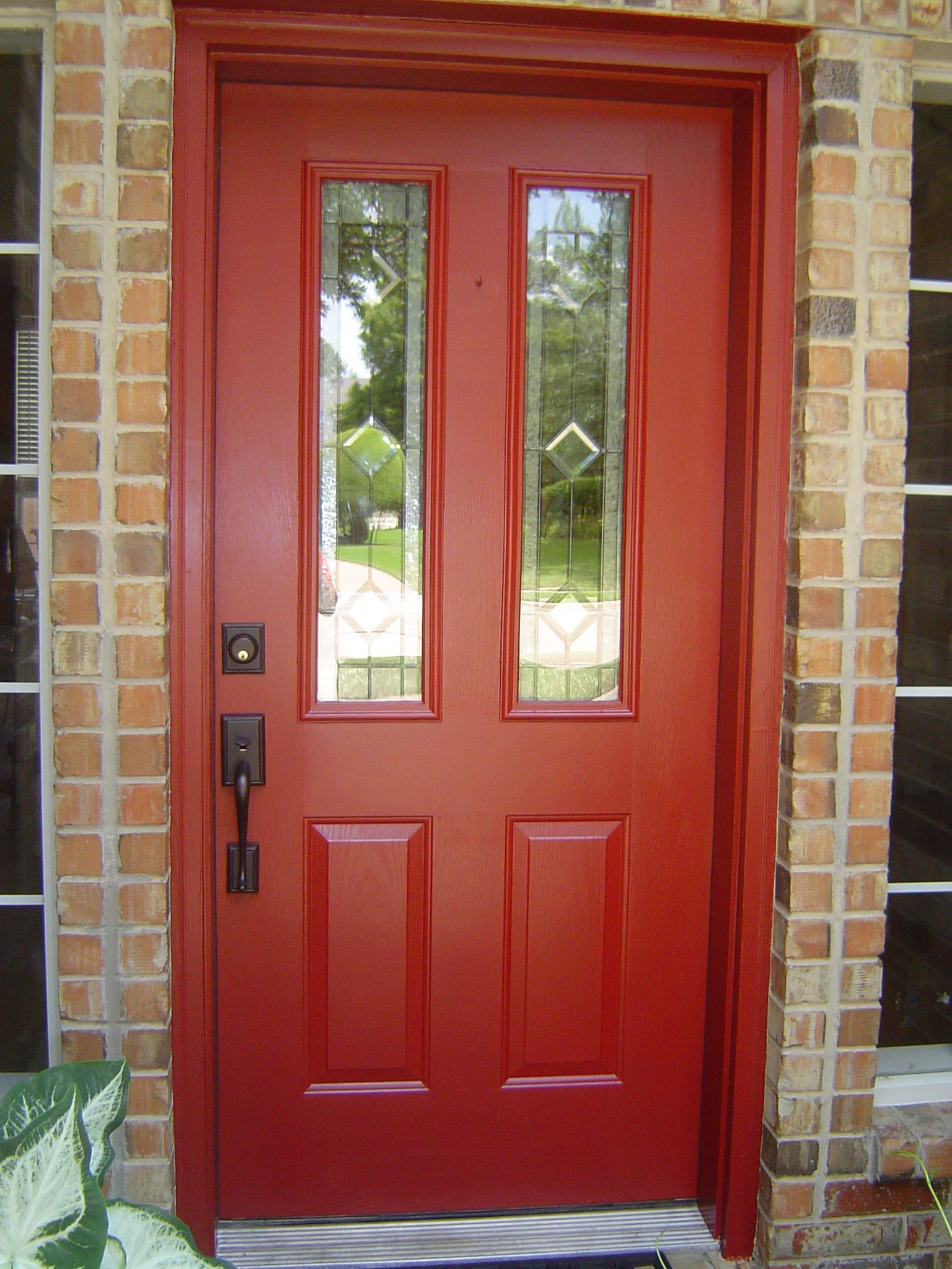 Best front door color for orange brick house buscar con for Front doors for homes
