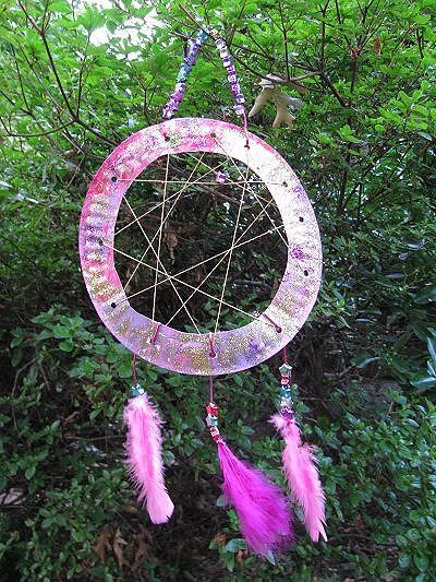 Dreamcatcher craft for kids for kids preschool and for Dream catcher craft easy