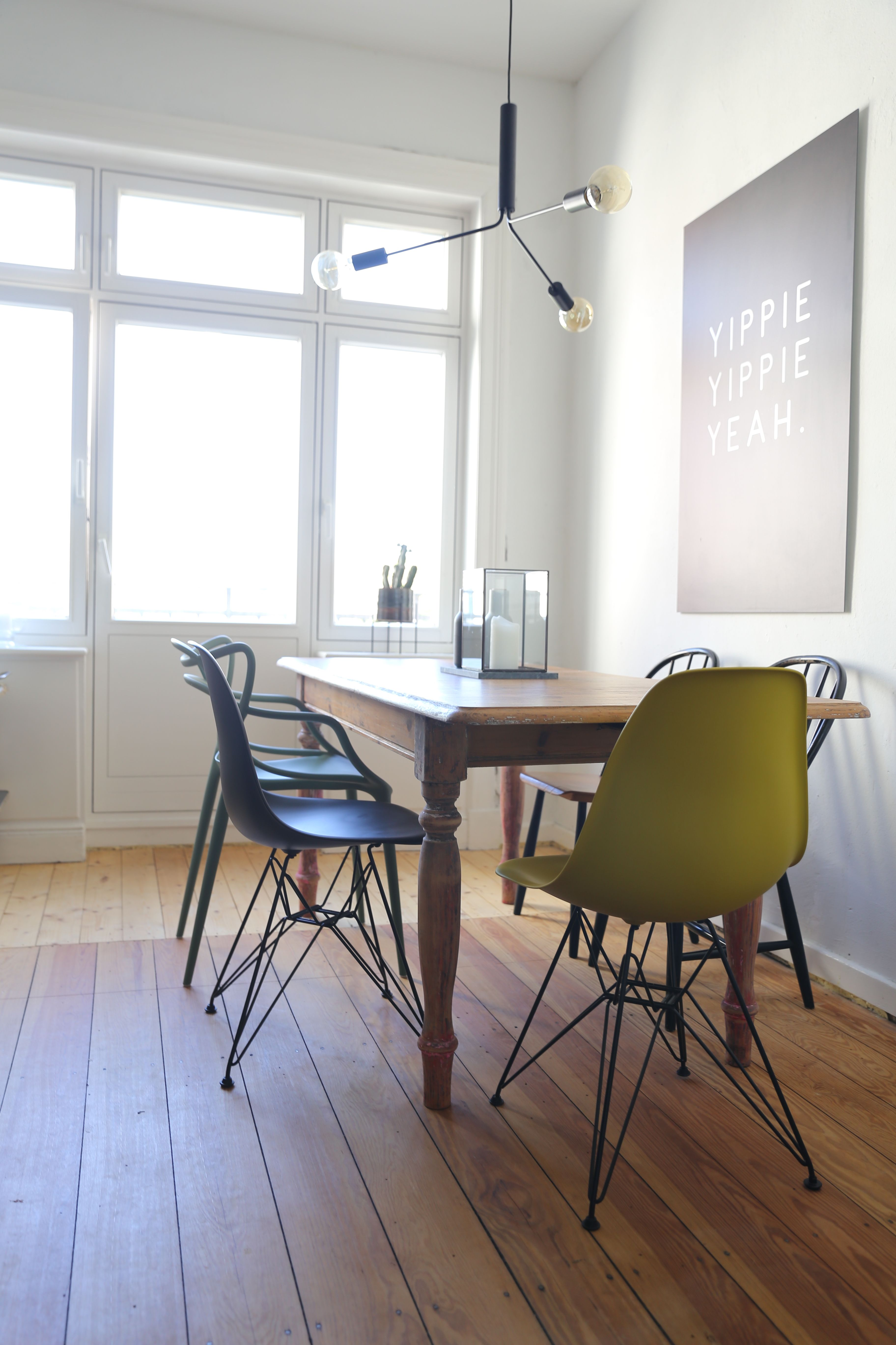 Vitra - Eames Plastic Side Chair DSR, verchromt / weiß (Filzgleiter ...