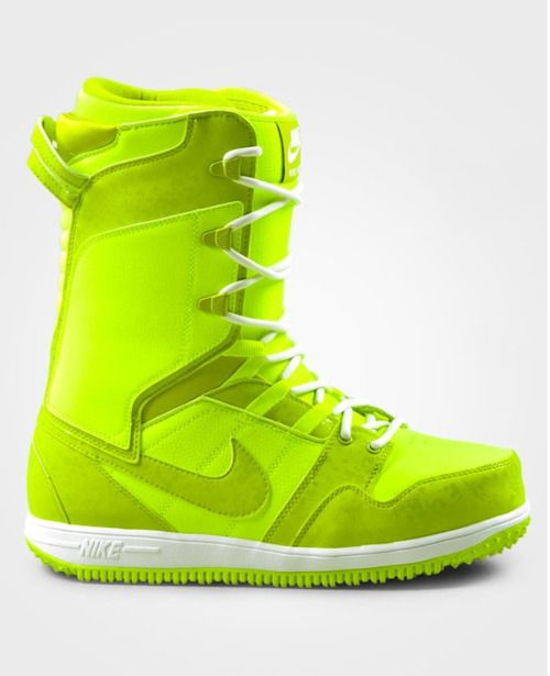 reputable site 3190d 63a9a Nike snowboots (not for me). So need for snowboarding! Snowboard boots !!!  It looks like a tennis ball!