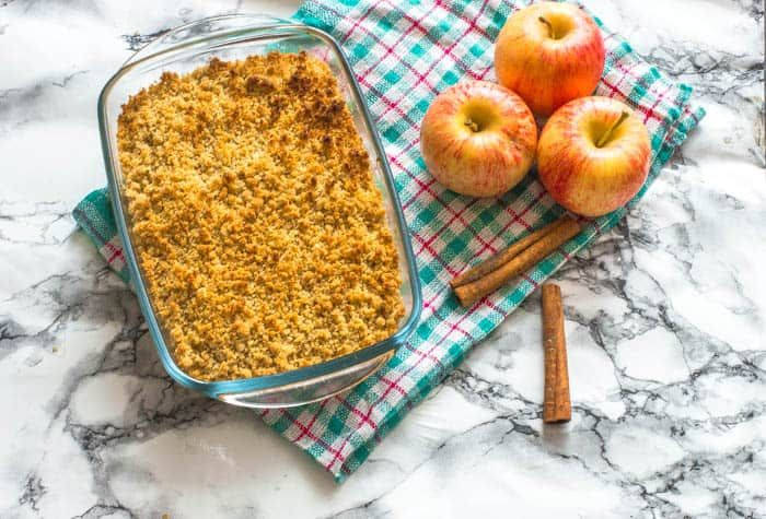 Gluten free apple crisp (Vegan and Paleo) - That Girl Cooks Healthy