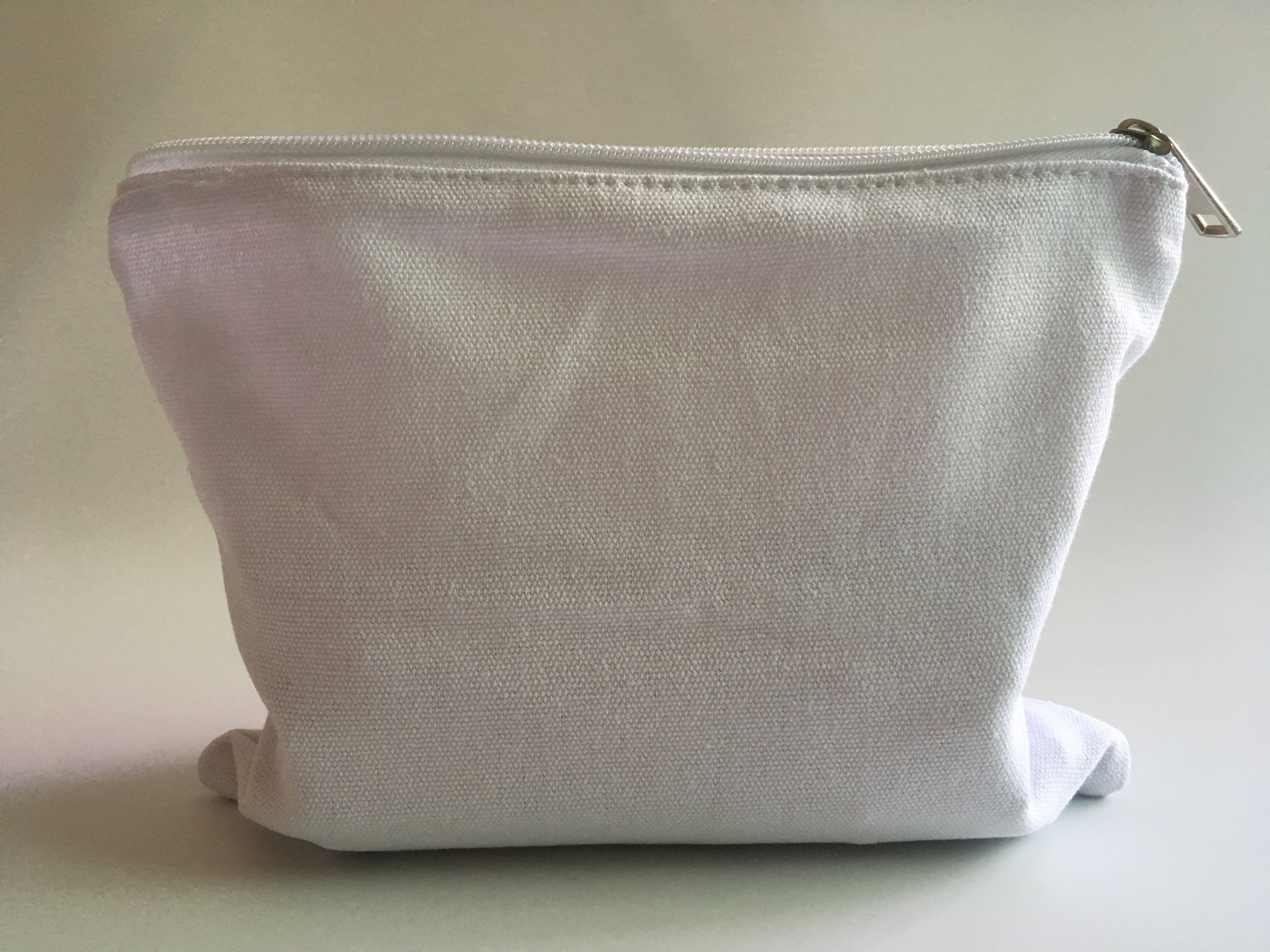 9*7 inch white color canvas makeup bag with low MOQ
