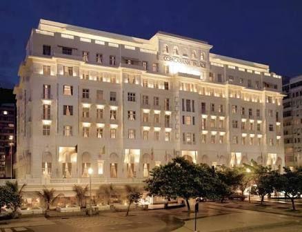 Hotel Copacabana Palace ,onde ficam as celebridades!!!!Existem outros mas esse é o mais famoso!