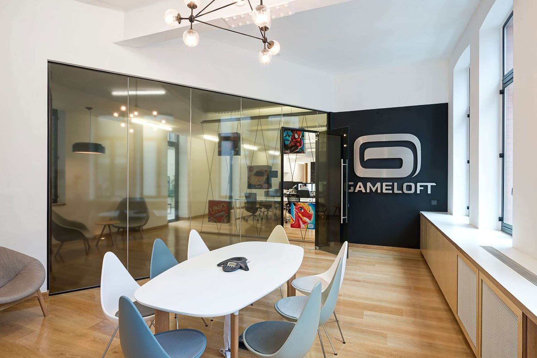 This Meeting Room For A Gaming Company Reinforces The Brand