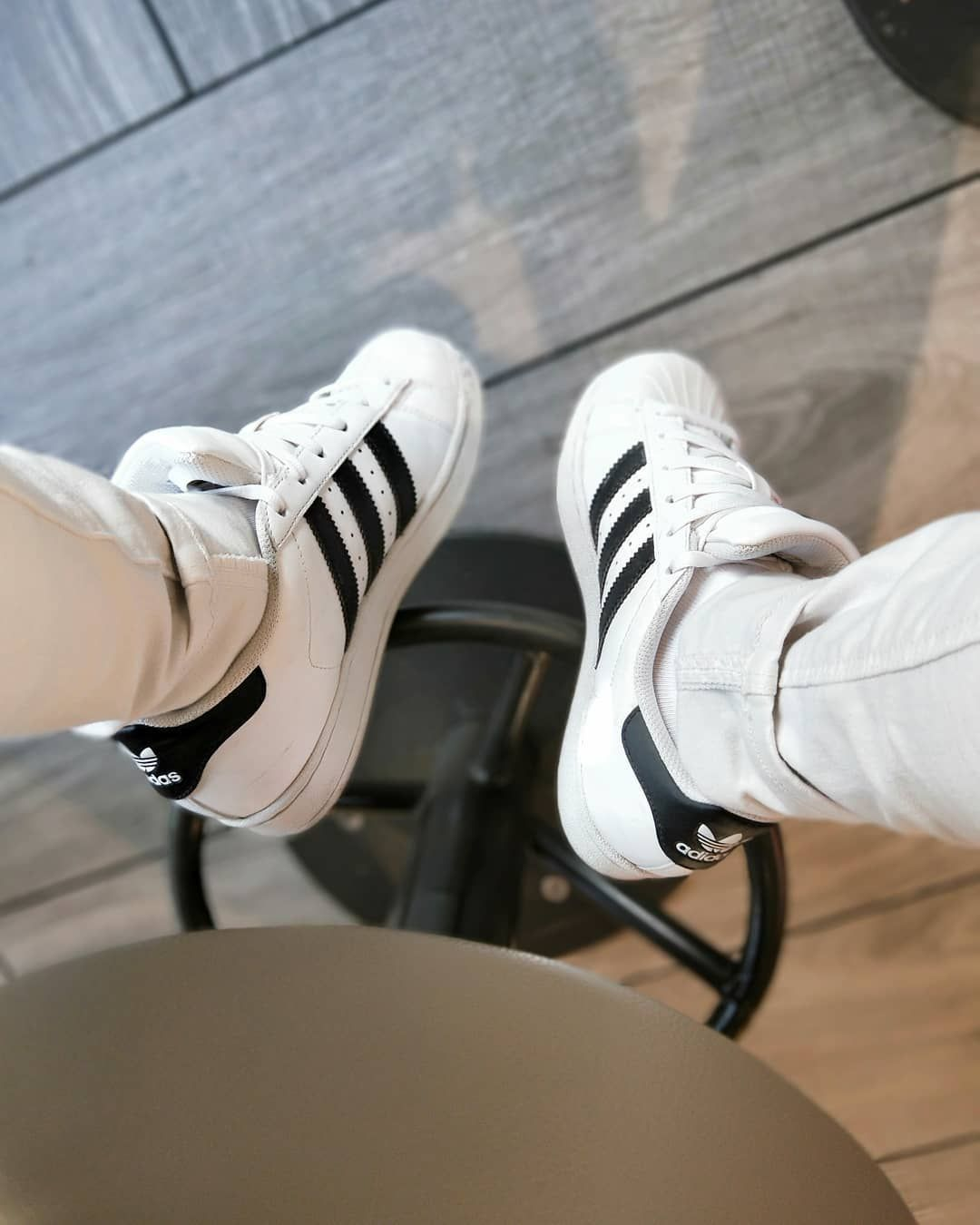 head & foots . . . #legs #fromwhereistand #adidas #chill #instalike #fitness #instagood #traveler #w...