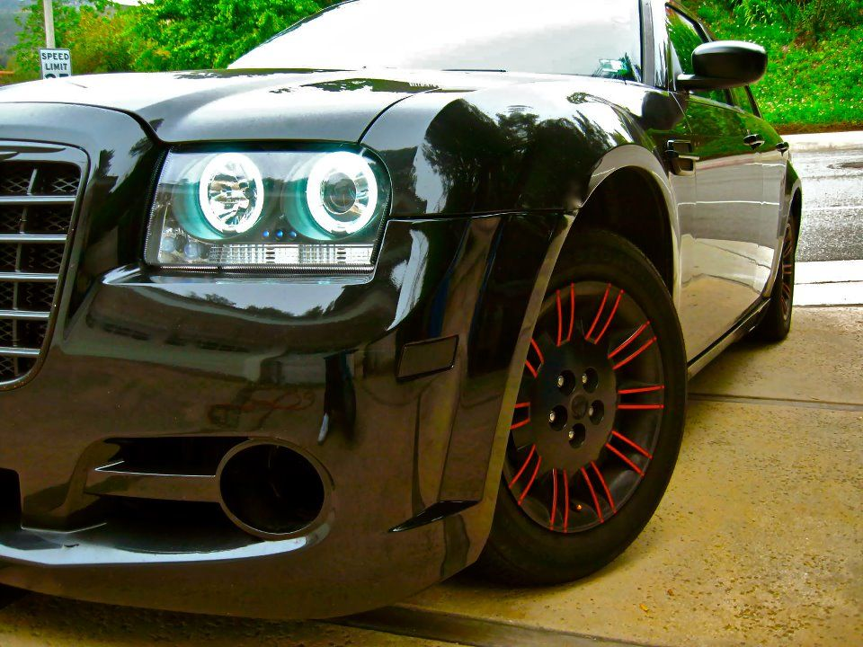 Chrysler 300c 2 7l 2007 black red rims wheels grill bumper - 2007 chrysler 300 custom interior ...