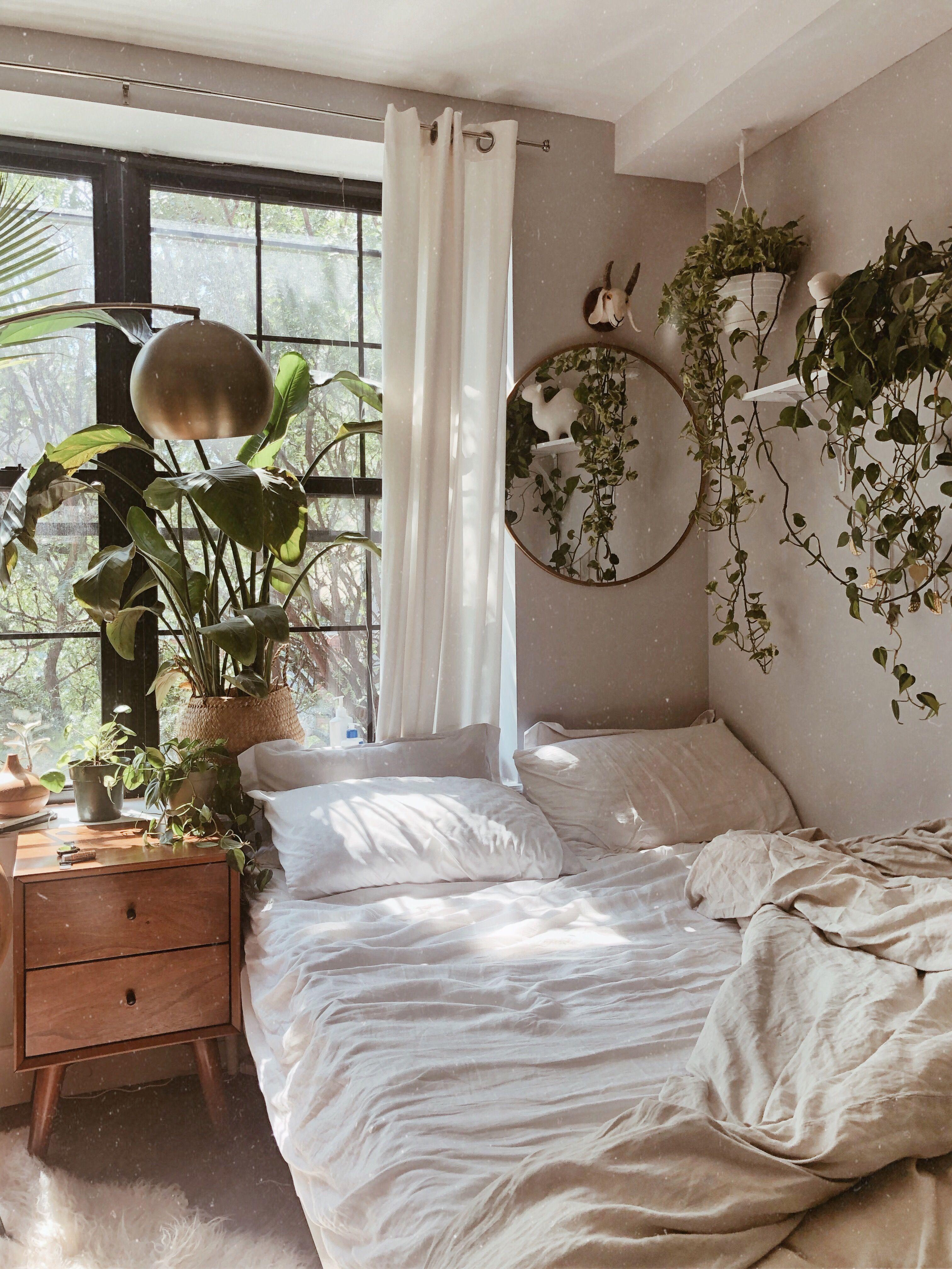 mirror in 2020 aesthetic bedroom bedroom design on home interior design bedroom id=77247