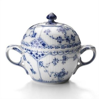Features: -Sugar bowl. -Microwave safe. -Design by: Arnold Krog. -Cleaning and Care: Dishwasher safe. Product Type: -Sugar bowl. Color: -Blue. Material: -China. Style: -Traditional. Pattern: