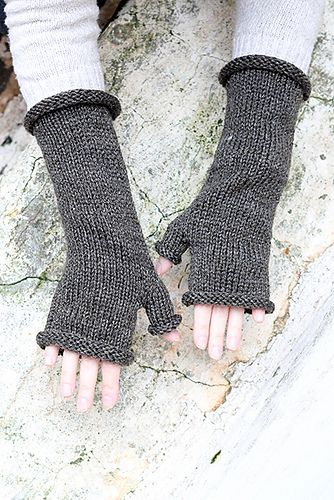 Ravelry: Outlander Fingerless Gloves pattern by Louise ...
