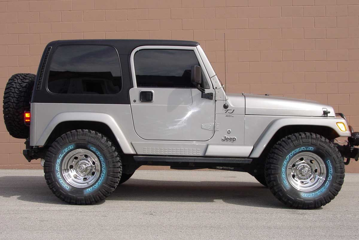 I Have A White Right Hand Drive That I Use To Deliver Mail Jeep Wrangler Tires 2004 Jeep Wrangler Jeep Wrangler