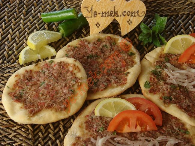 Turkish food recipes in english lahmacun recipe recipes from turkish food recipes in english lahmacun recipe recipes from turkish cuisine in forumfinder Images