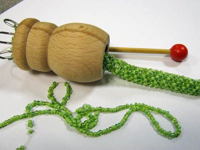 Bastellanleitung bettina strickliesel h keln und schmuck h keln - Strickliesel selber machen ...