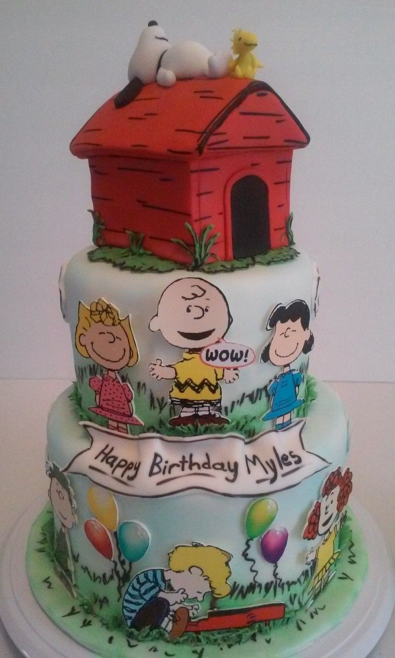 Peanuts Cake made by Dazzling Sweets Snoopy Charlie Brown
