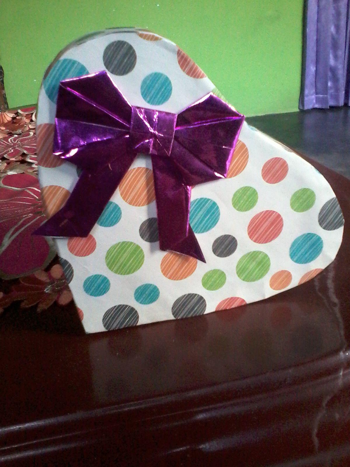 Kotak Kado Cantik Bentuk Love Kotak Kecantikan Bentuk