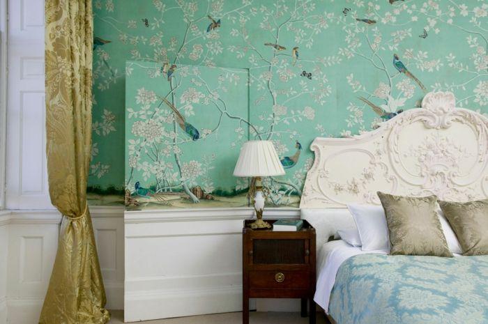tapete vintage grün wald muster goldene gardinen schlafzimmer ...