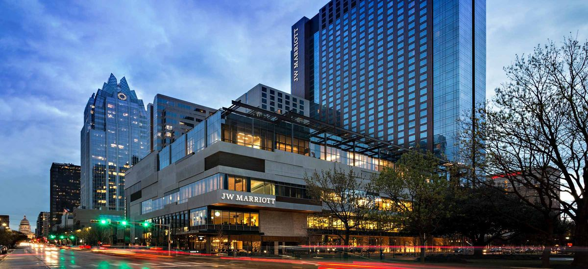 Jw Marriott Austin Is An Upscale Luxury Hotel In The Heart Of Downtown Enjoy