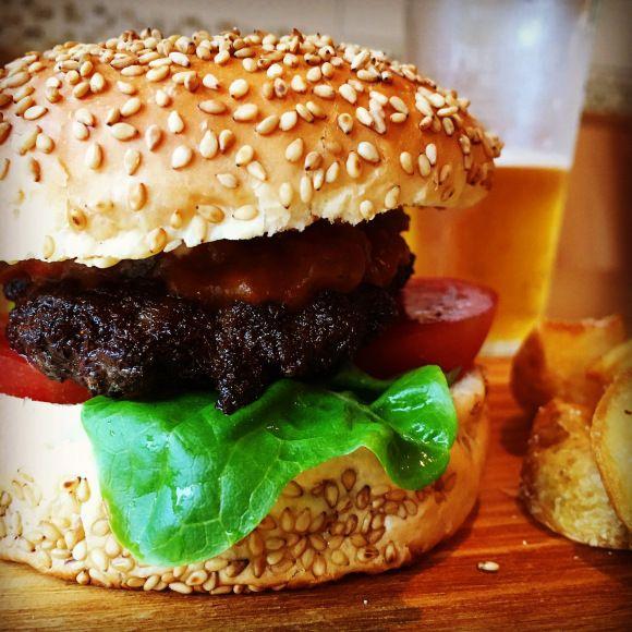 【ご当地バーガー】「たむけん」プロデュースの『奈良バーガー』誕生! 奈良漬けソースに大和牛と奈良づくしのバーガーやねん!!ナグッド (nagood)