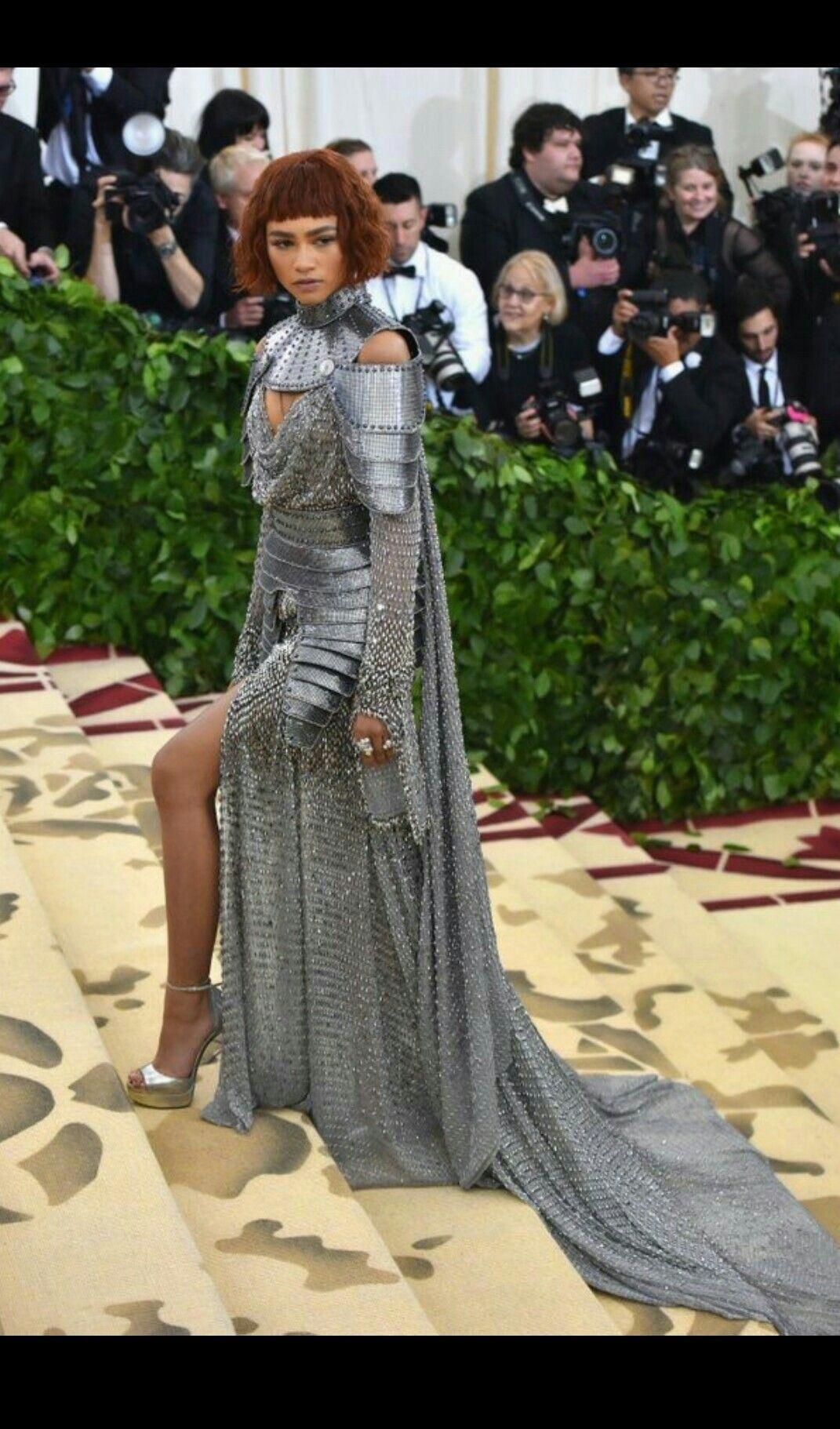 Metgala zendaya in versace if i ever walk the red carpet