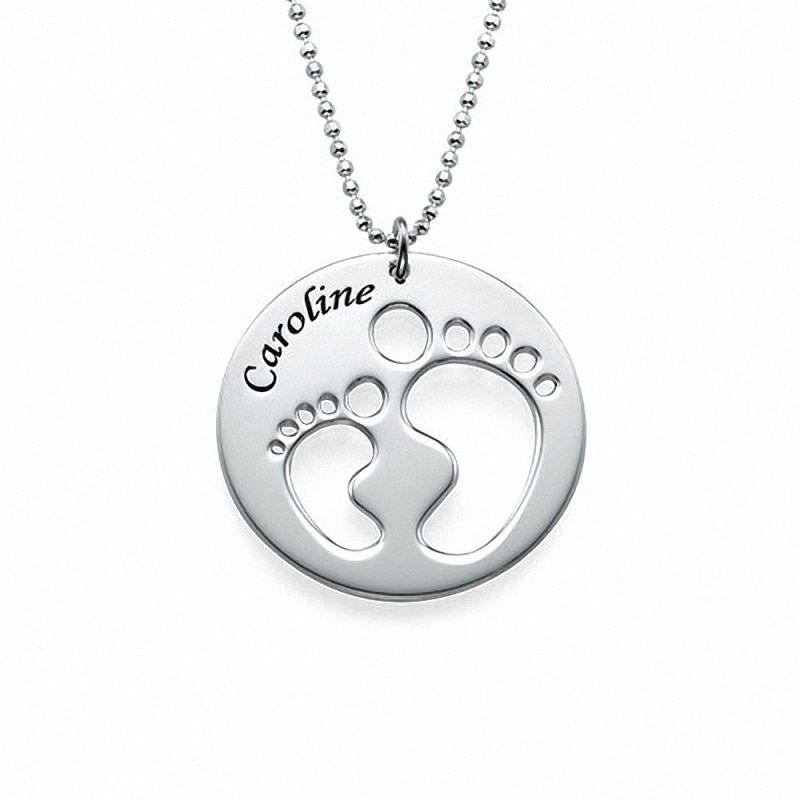 be0a57afef7a Collar de Plata Aline Piecitos de Bebé. Este producto es uno de los más  bonitos y tiernos que una mamá puede tener para presumir de su bebé  mostrando el ...