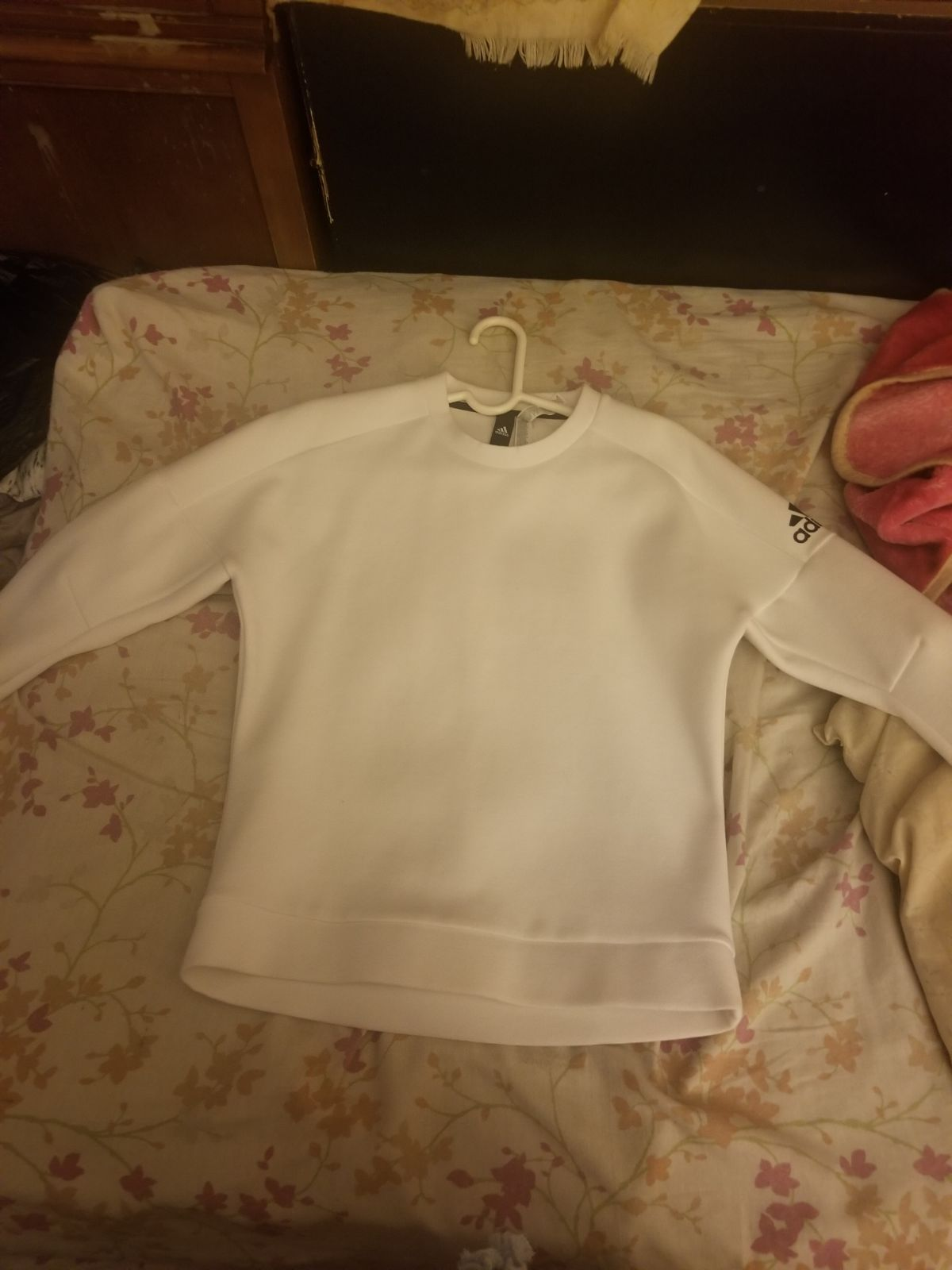All White Adidas Sweater Tight Fit Good For The Winter Original Price 50 Or Up Adidas Sweatshirt Women White Adidas Sweater Sweatshirts Women [ 1600 x 1200 Pixel ]
