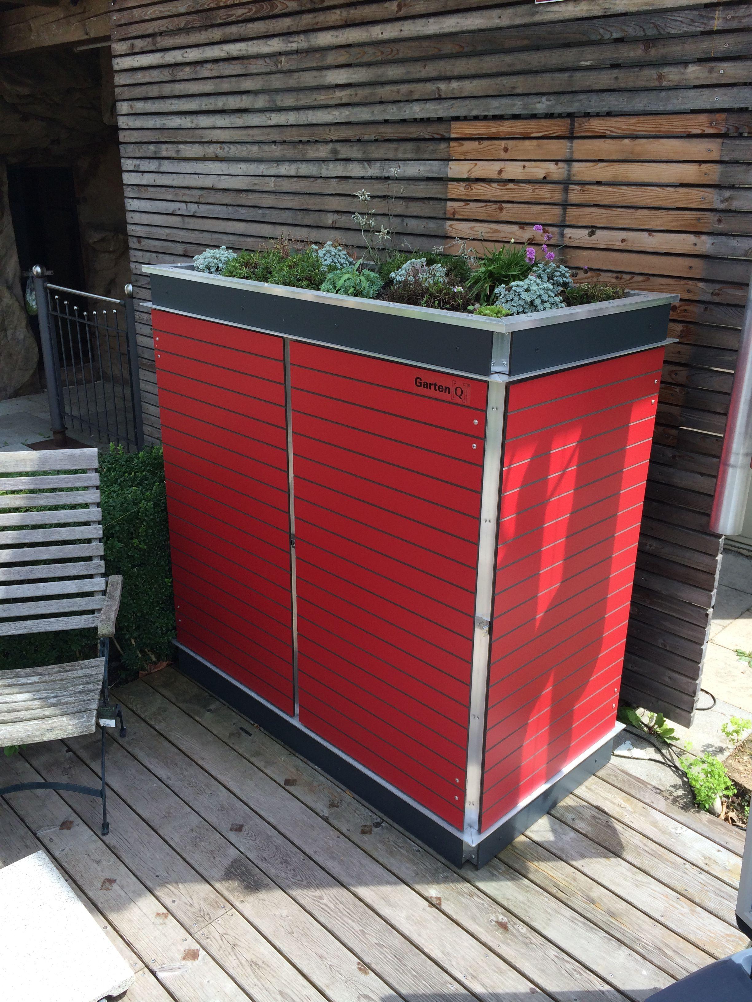 Outdoor Schrank In Rot Mit Dachbegrunungsmodul In Anthrazit Farben Der Blenden Und Der Turen Sind Frei Wahlbar Gartenschrank Gartengerateschrank Garten