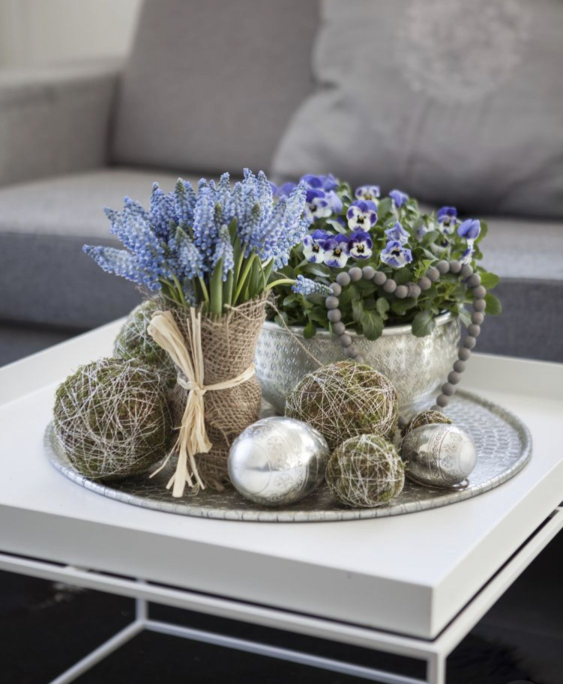 25 Cute Coffee Table Centerpieces You Need To Have Modern Coffee Table Decor