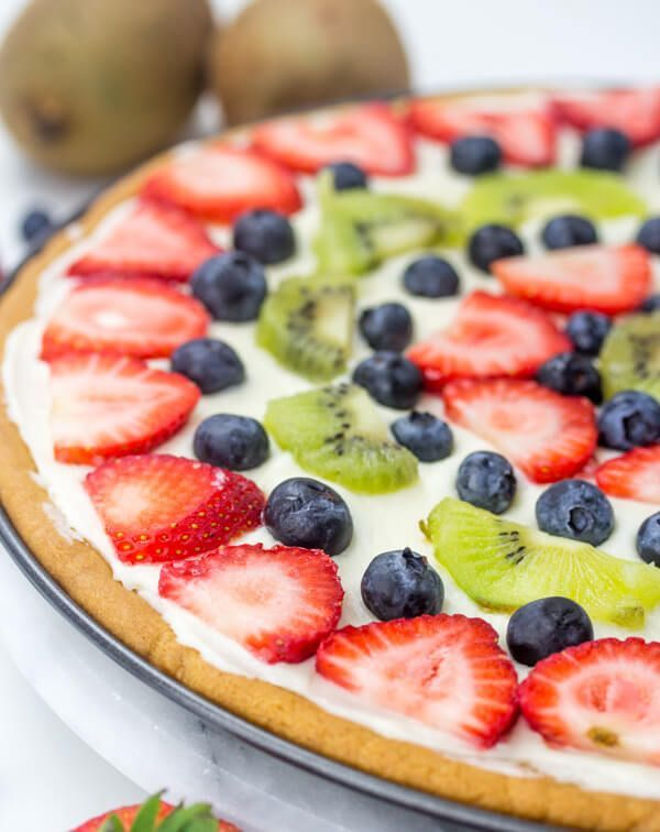 Easy Fruit Pizza Easy Fruit Pizza