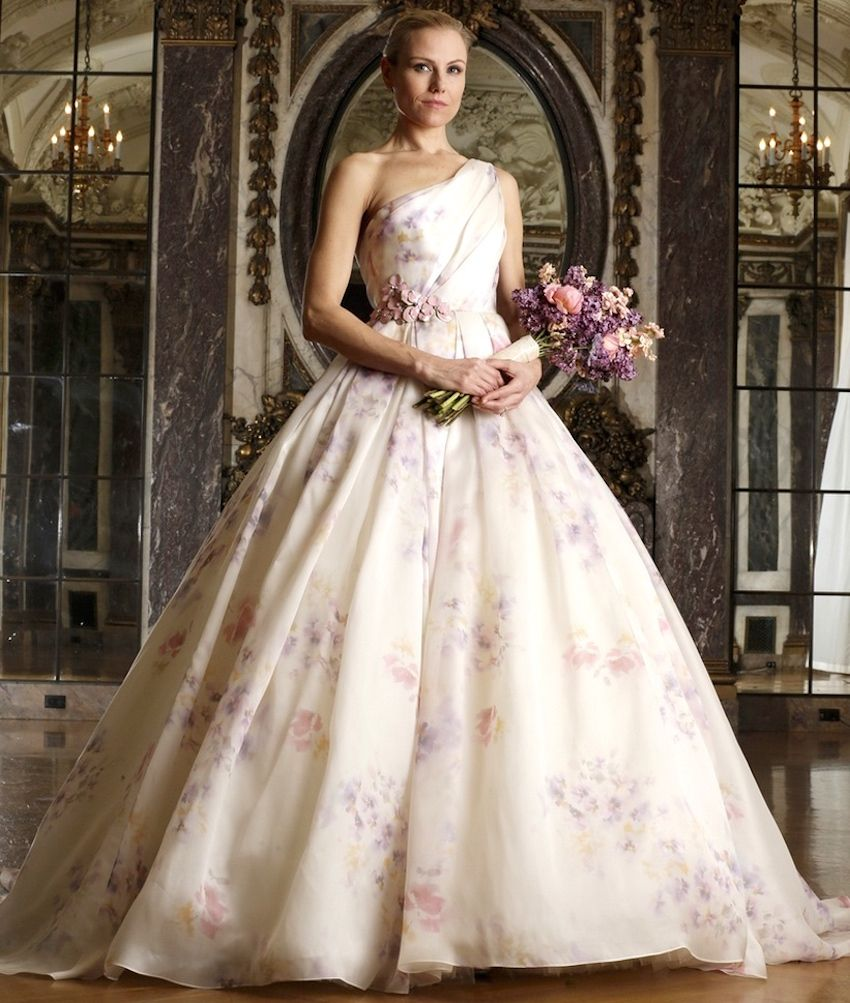 Floral print wedding dresses   Ways to Use Pretty Floral Prints in Your Wedding Décor  Romona