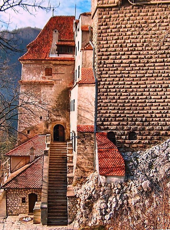 Bran Castle A Photo From Brasov East Trekearth Brasov Romanian Castles Castle