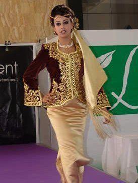Les Algeroises La Tenue Traditionnelle Algeroise Le Karakou Tenue Traditionnelle Tenue Traditionnelle Algerienne Tenue