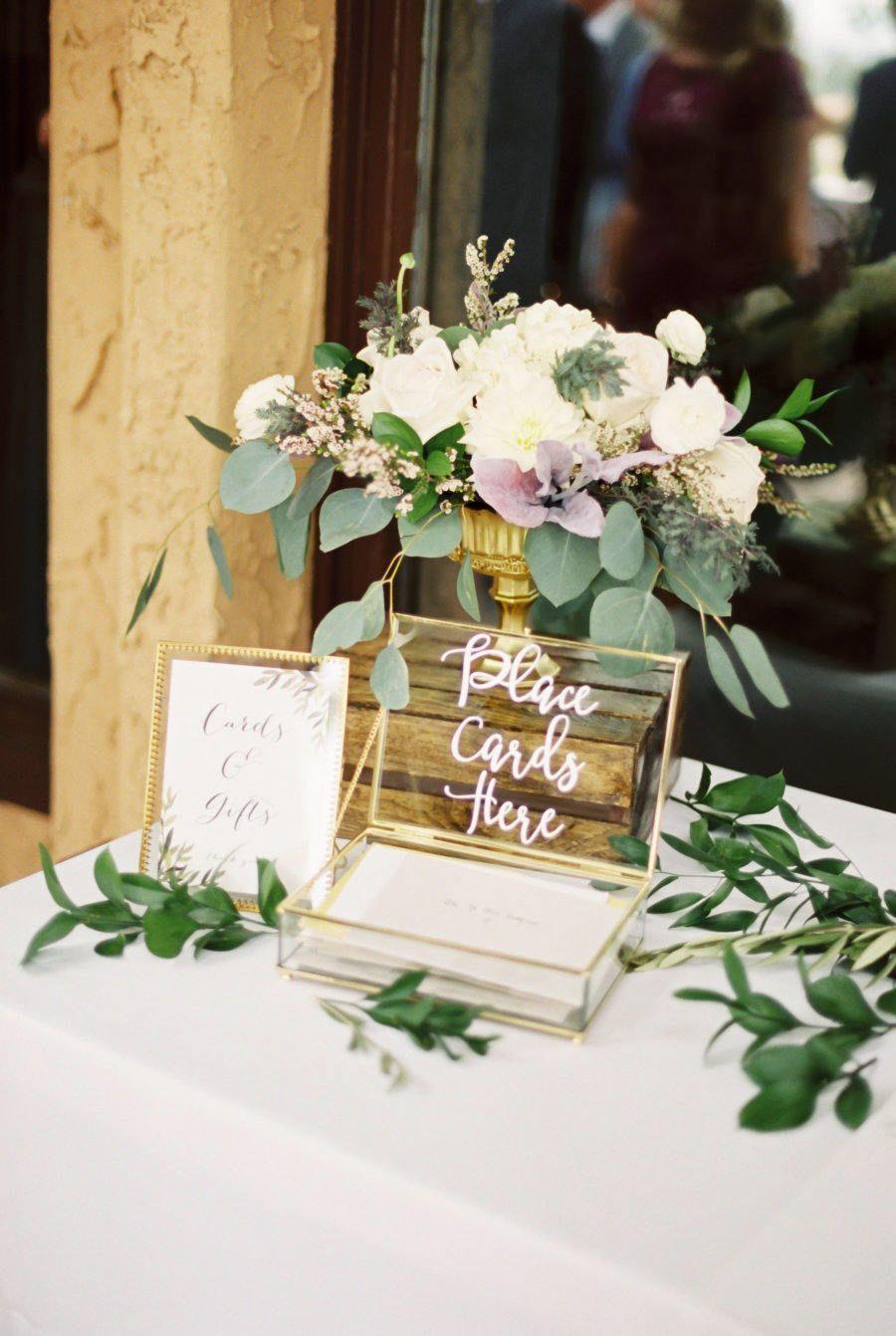 Weddingtakeawaygiftideas Gift Table Wedding Card Table Wedding