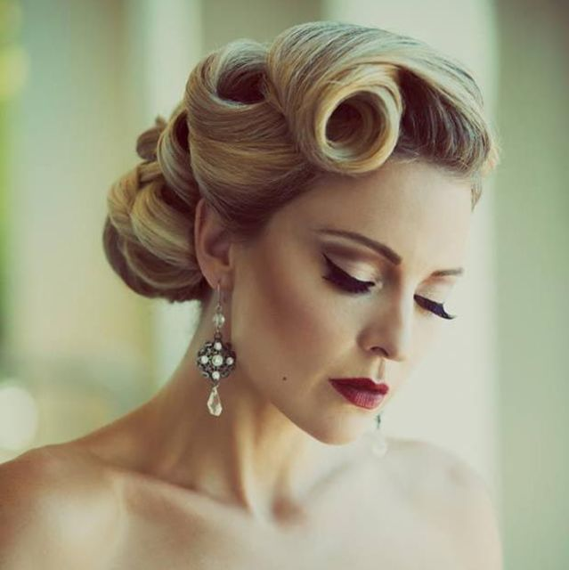 13 Fierce Hairstyles To Try This Nye 50s Hairstyles Vintage Hairstyles Retro Hairstyles
