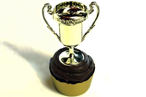 Big Winner Trophy Cupcakes