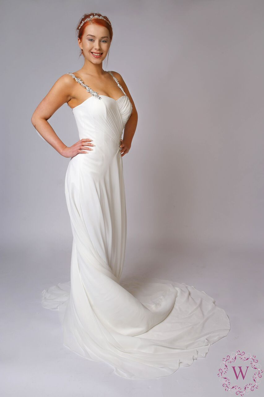 Over 1000 Discounted Designer Wedding Dresses Available In ALL Sizes ...