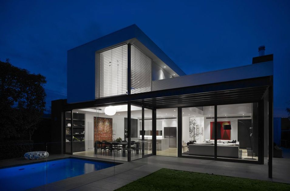 Decorating your home does not stop with doing the interiors. Making a commendable impression by focusing on exterior decoration of your home is also important. Home décor experts give special focus to the front porch and front yard of the house. http://knowledgebase.propguru.com/modern-exterior-home-designs-reflect-the-true-personality-of-the-owner.html