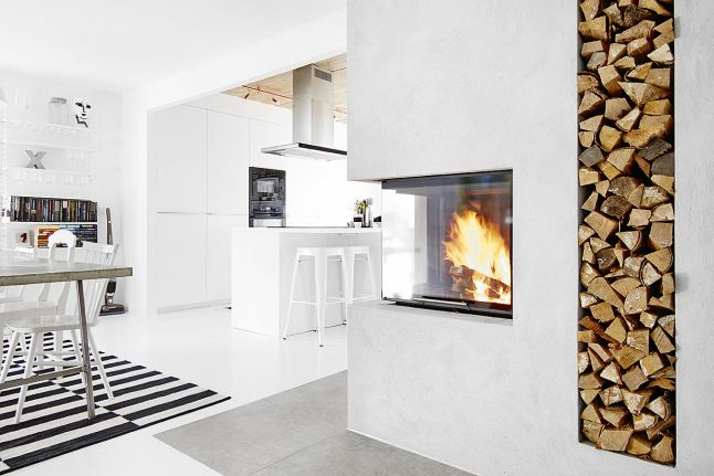 Love a #fireplace in the #kitchen! #Interior cheminée Pinterest
