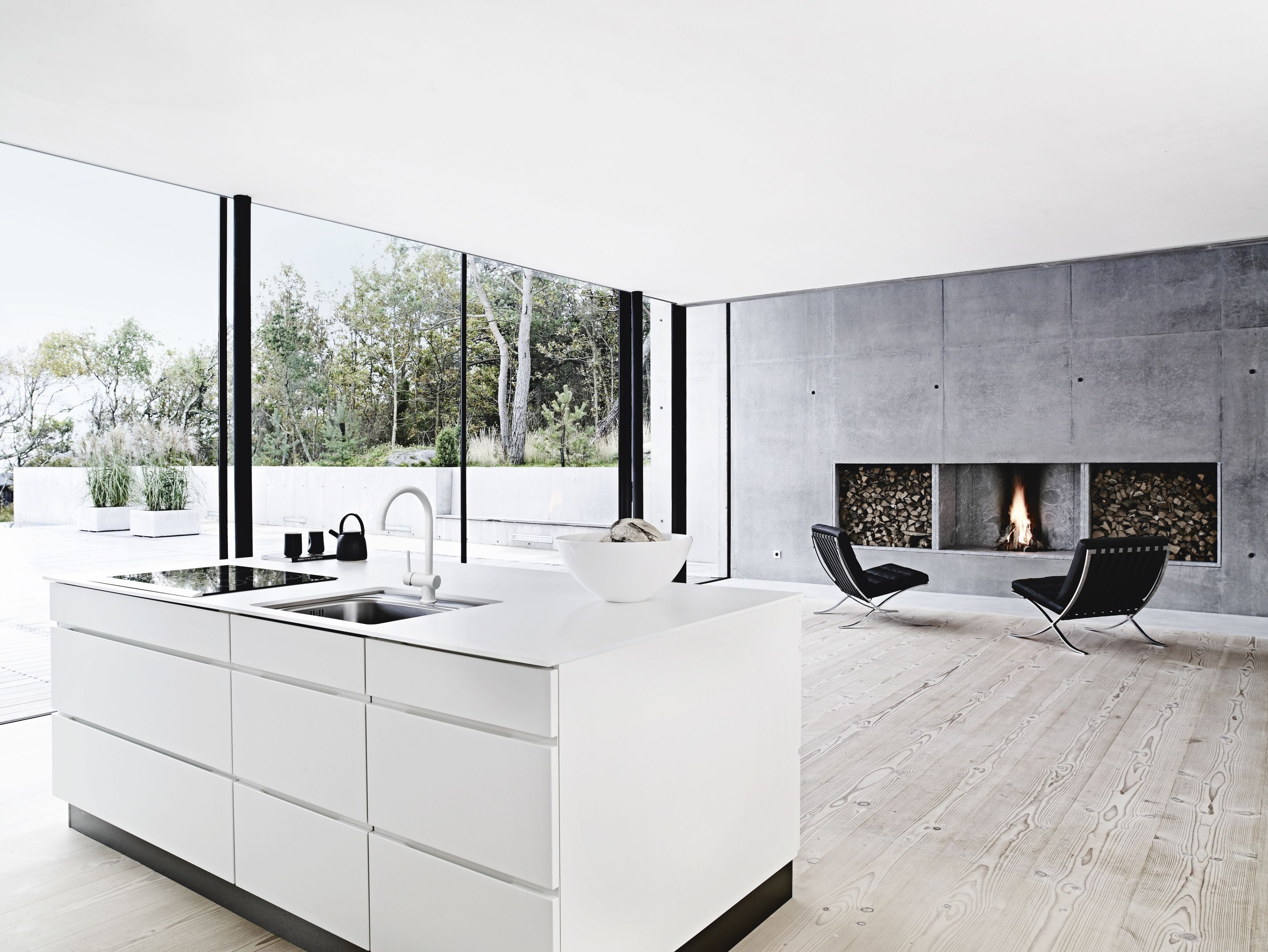 40 Phenomenon Minimalist Stylish White Kitchen Inspirations Freshouz Com White Kitchen Inspiration Kitchen Styling Bedroom Loft
