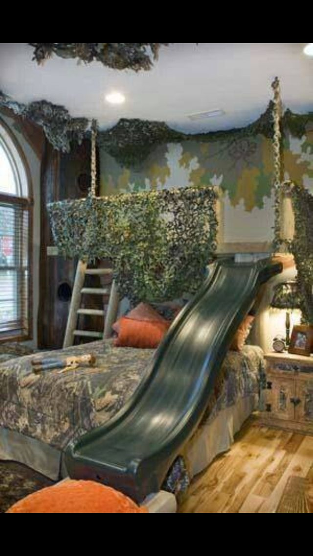 What Little Boy Or Tomboy Wouldn T Love This A Deer Stand Above The Bed With A Slide Cool Bedrooms For Boys Awesome Bedrooms Kid Room Decor