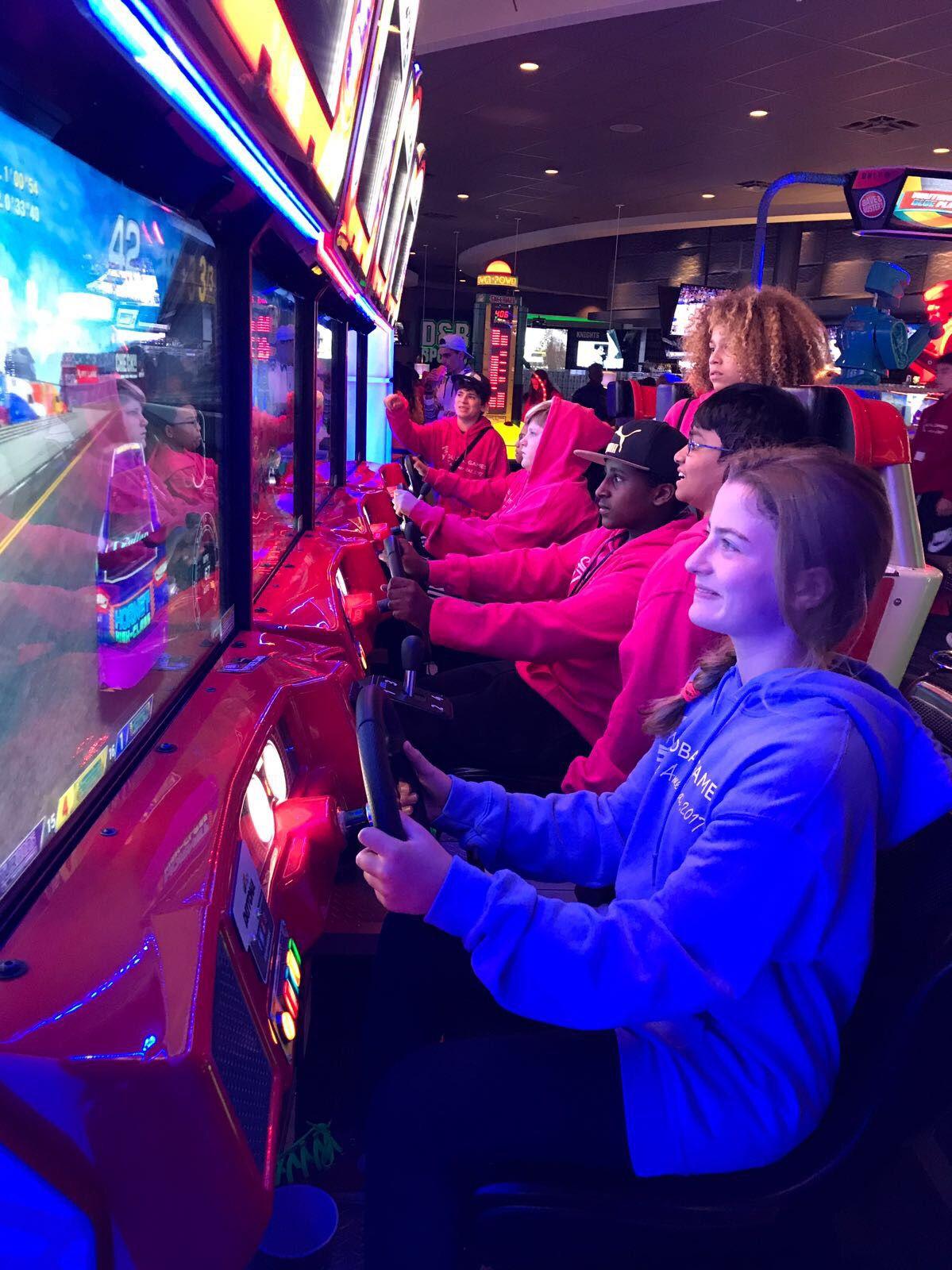 Naeglobalgames Globalgamesna More Fun And Games At Dave Buster S Dave Busters Dave And Buster S Sports Bar