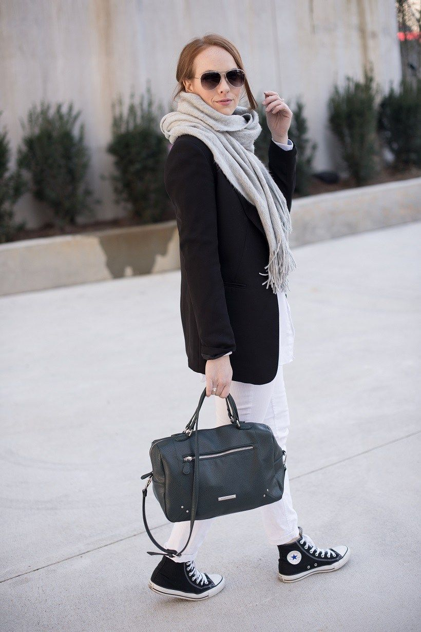 Business casual look with sneakers | Green leather nine west bag | MarahCAR