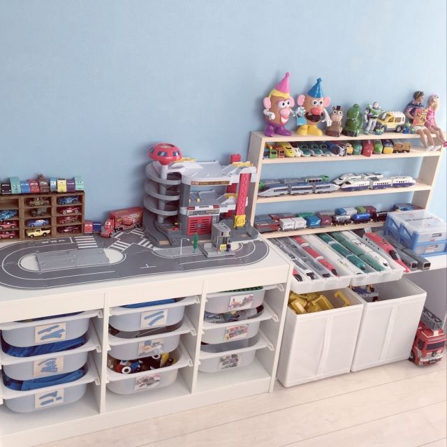 53 salles de jeux rangement playmobil et. Black Bedroom Furniture Sets. Home Design Ideas