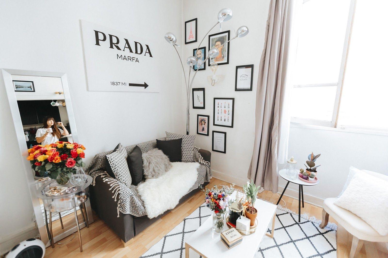 to my Petite Parisian Apartment Cadres de