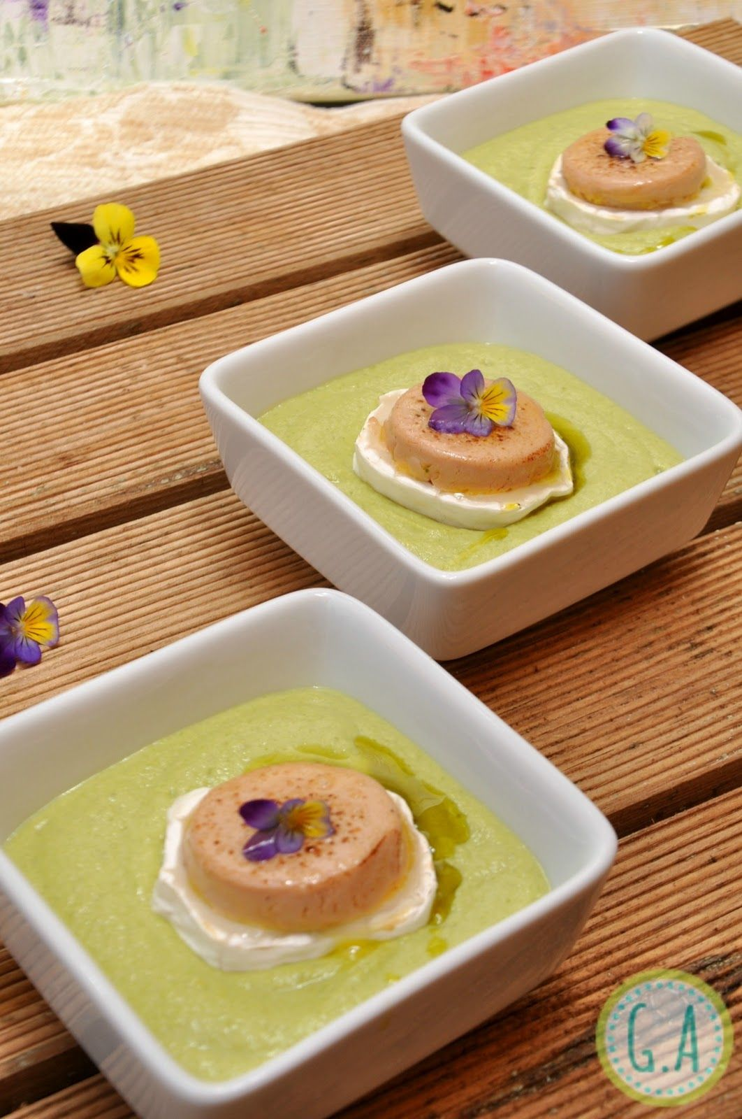 Salmorejo de esp rragos trigueros con foie queso de cabra - Tapas frias originales ...