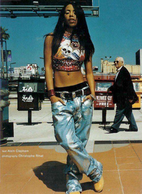 a2e06d4e8b72e0 Aaliyah 90s Fashion