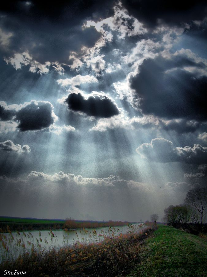 If You Hurry You Can Get A Ray On You Sky And Clouds Beautiful Sky Nature Photography