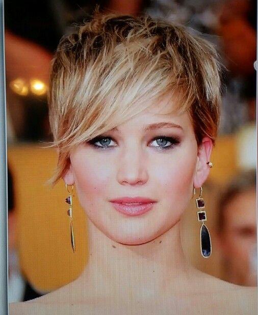I love this short haircut!